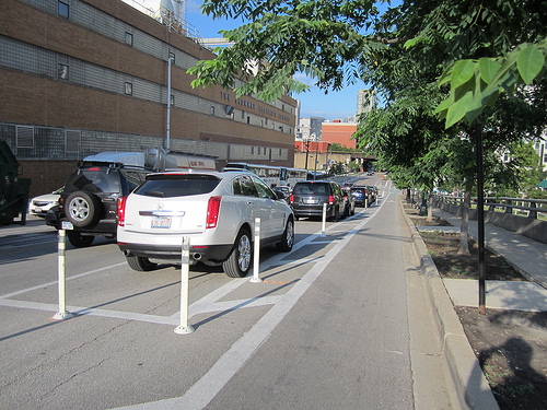 Parked car protected bike lane on Chicago's Kinzie Street
