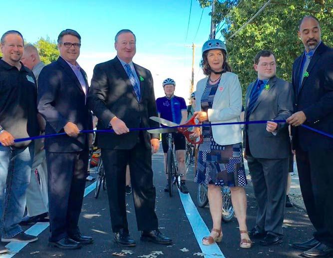 2016 Philadelphia protected bike lane opens