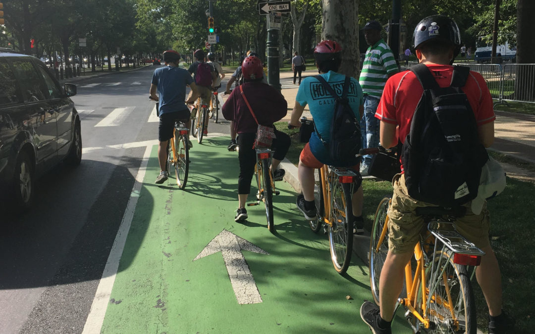 Two Neighborhood Groups Call for Closing Outer Lanes of Ben Franklin Parkway to Motor Vehicles